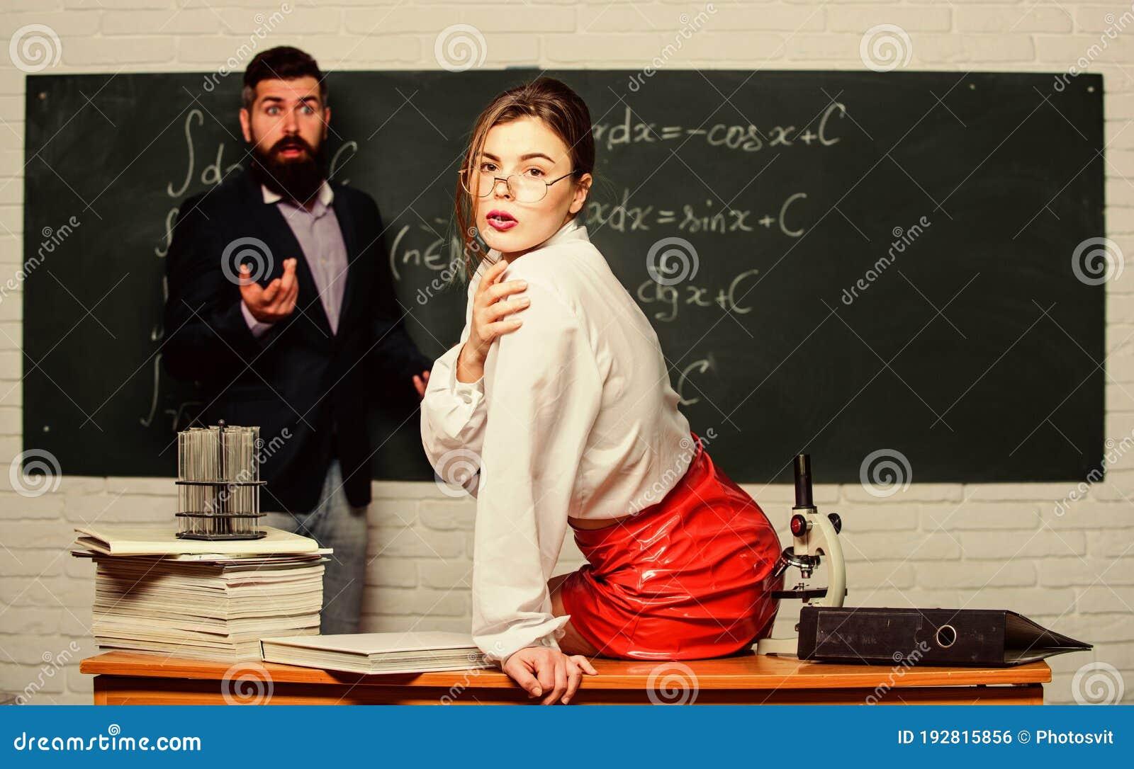 Comment sortir avec son professeur (avec images)