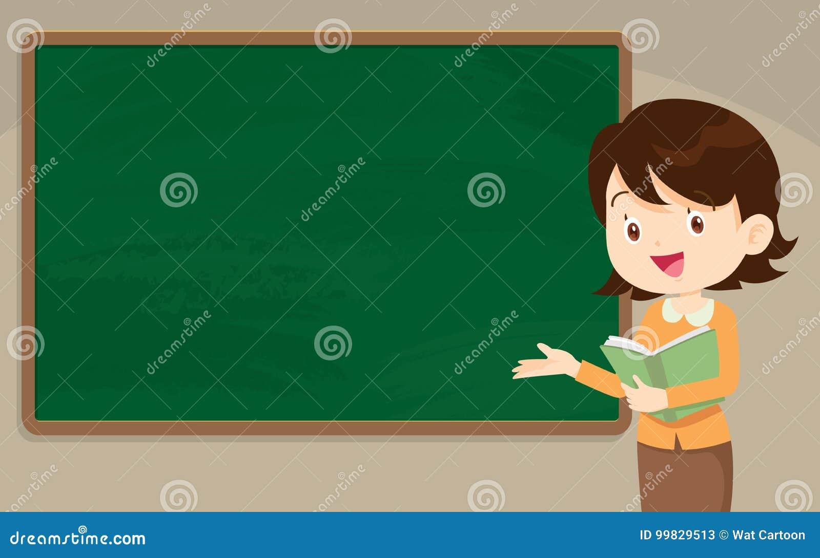 Professeur de jeune femme devant le tableau
