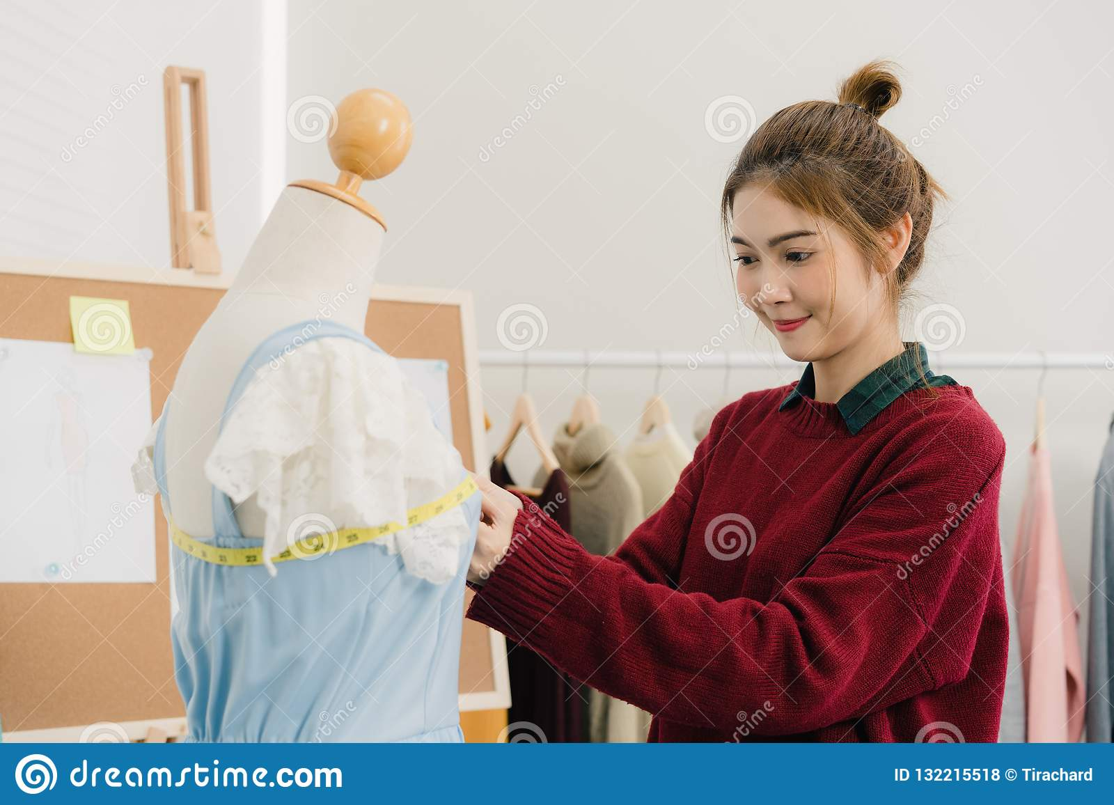 1 093 Asian Dress Fashion Mannequin Photos Free Royalty Free Stock Photos From Dreamstime