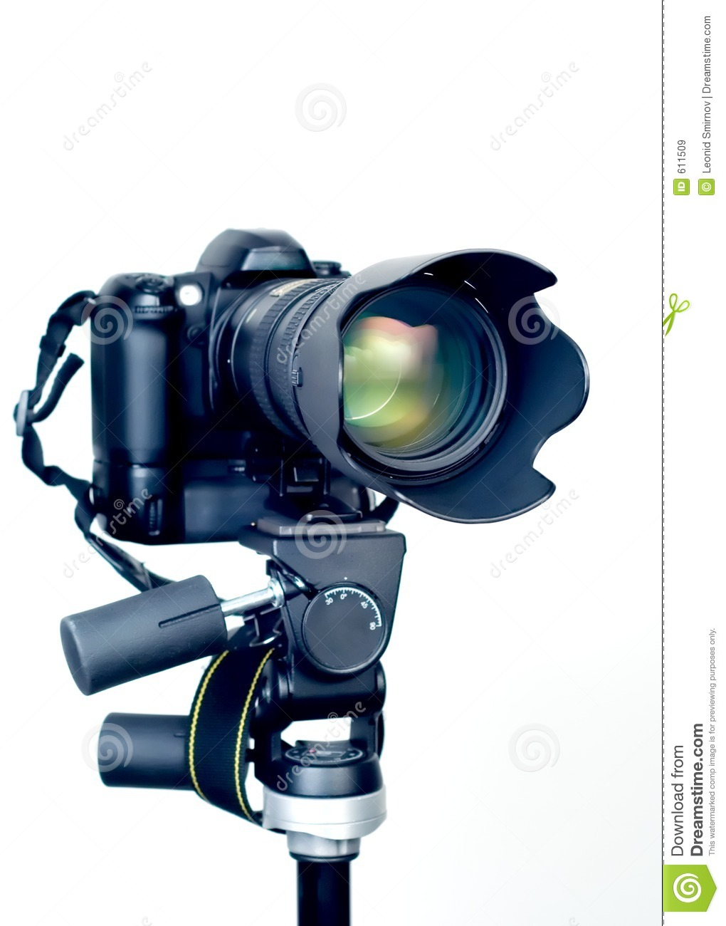 Professional dslr camera with telephoto zoom lens on for Camera gratis