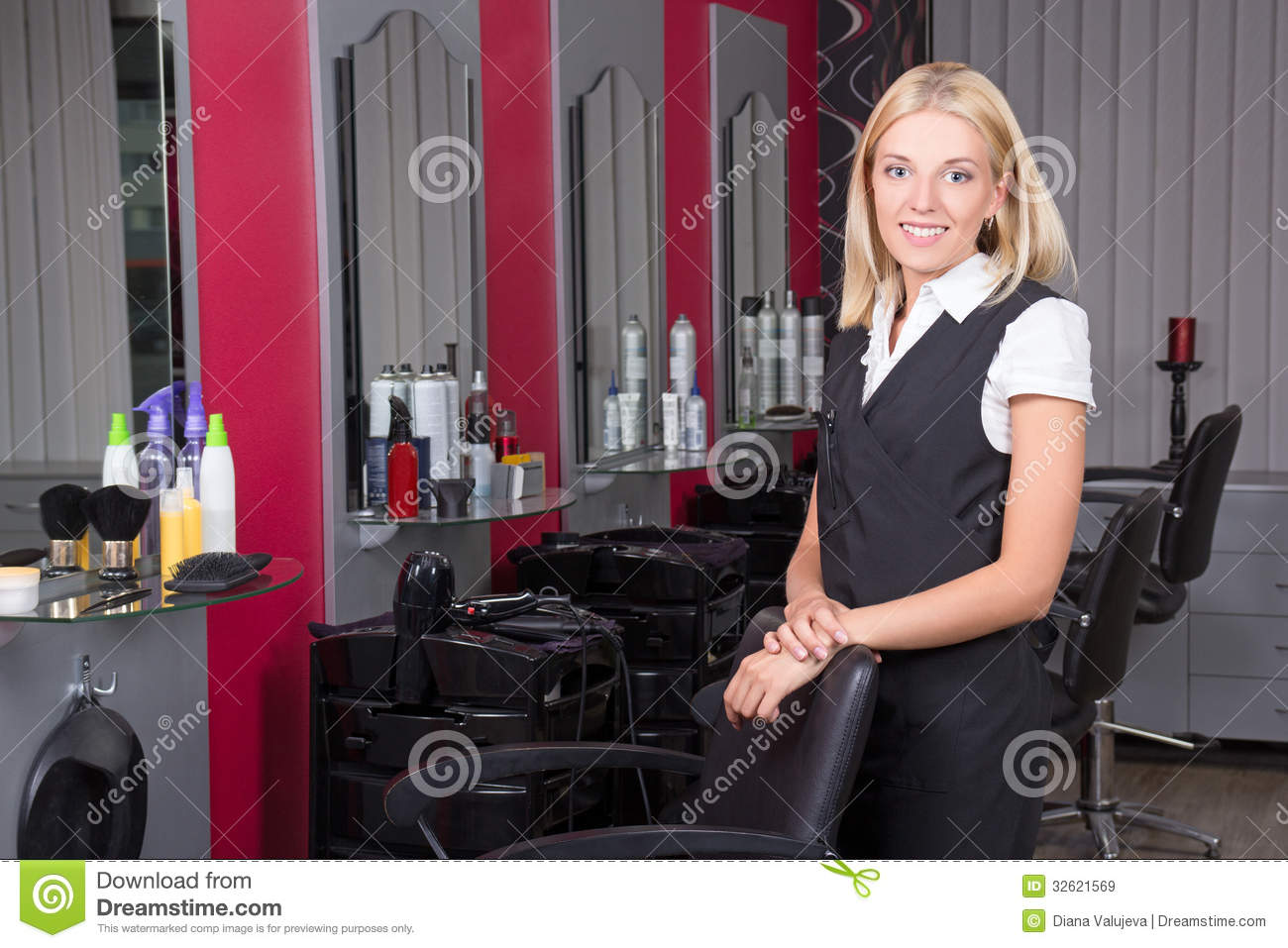 Professional Hairdresser : Professional Hairdresser In Beauty Salon Royalty Free Stock Images ...