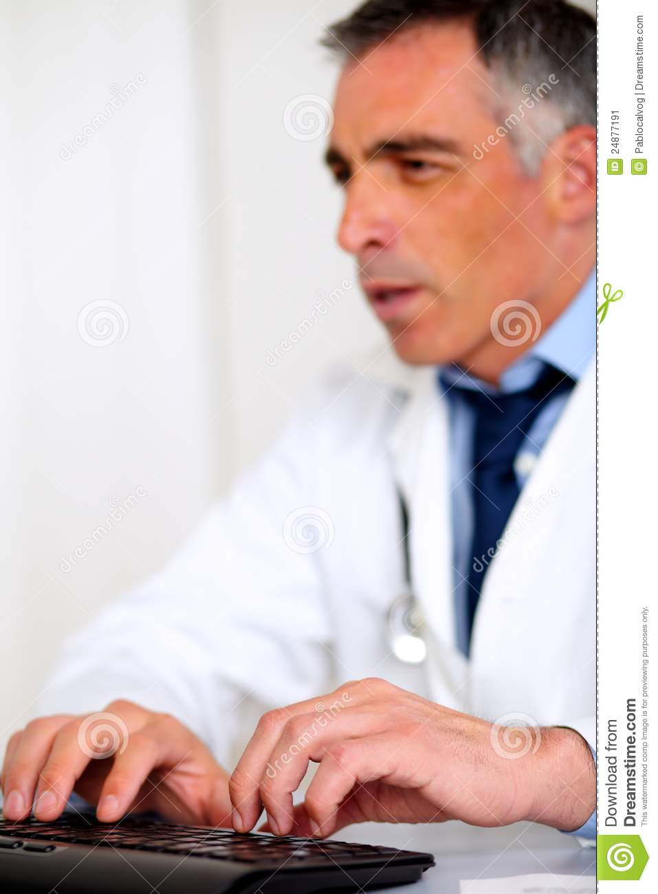 how to become a medical specialist