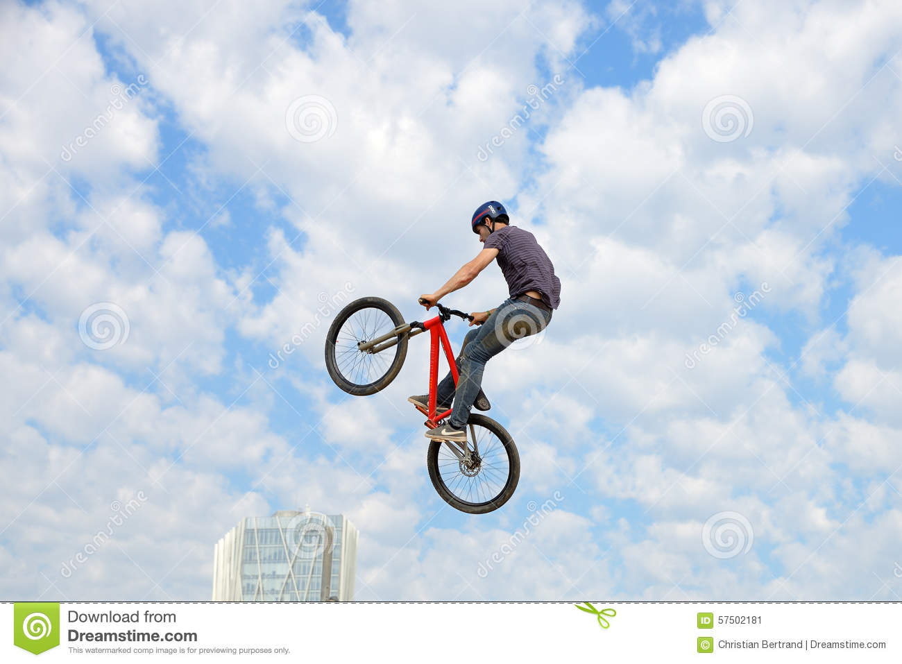 an essay on the topic of dirtbiking as a sport The topic of an argumentative essay on sports must contain a clear argument, so that readers are certain around which issue the paper revolves general statements, such as sports are a fun activity can only lead to an essay filled with generalizations, vague remarks and few -- or no -- hard facts.