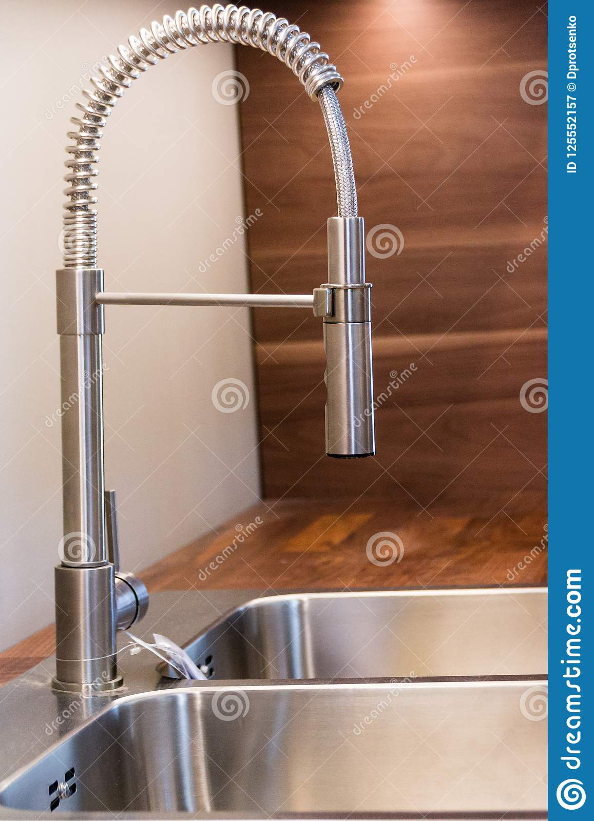 Professional Single Lever Mixer In Modern Kitchen  Removable