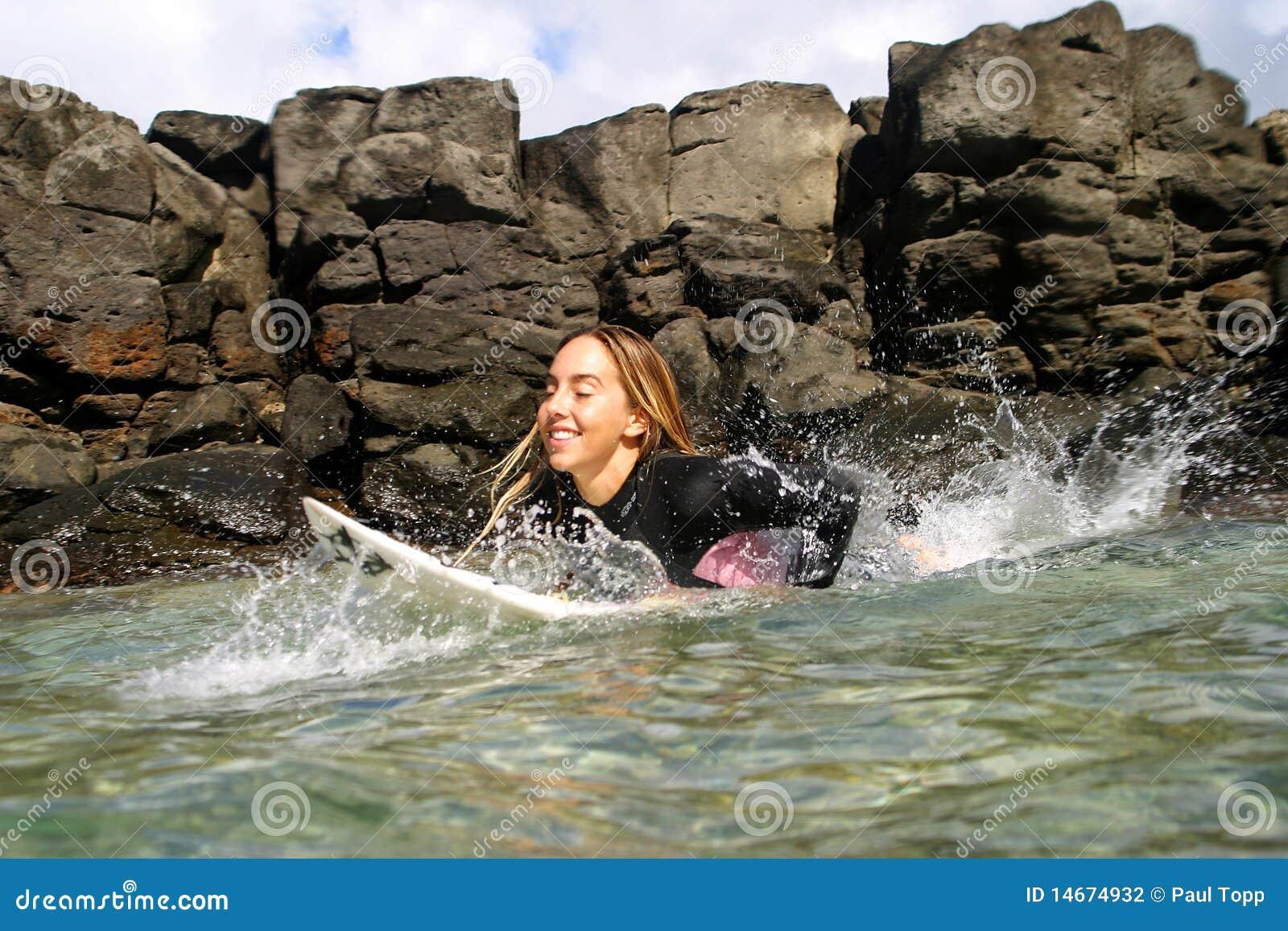 Professionele Vrouw Surfer Cecilia Enriquez