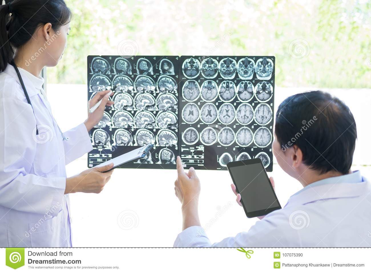 Professor Doctor discussing and consulting method with patient t