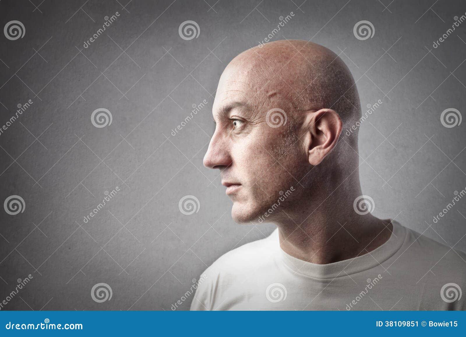 Profil chauve d homme