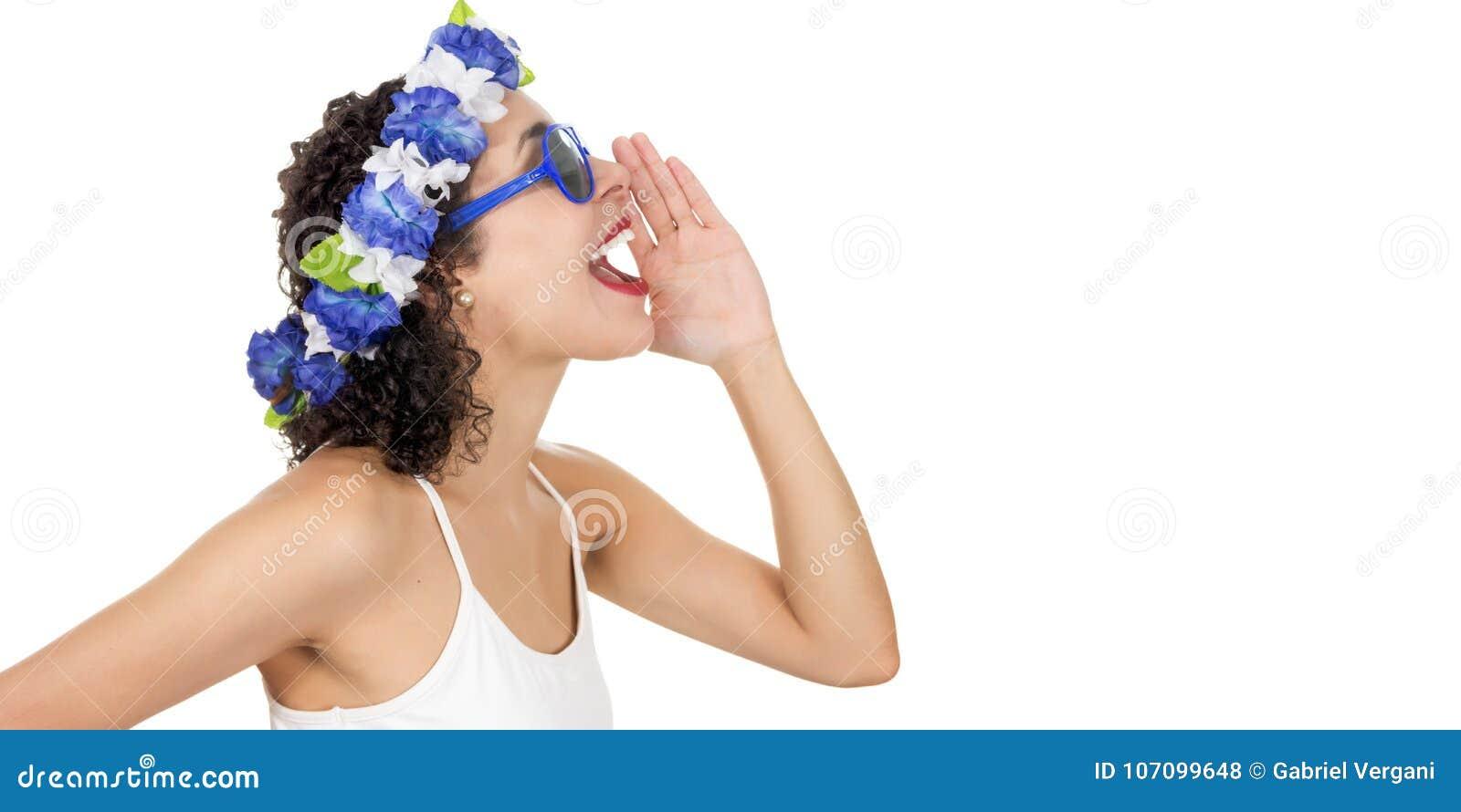 Profil d une femme de couleur appelle quelqu un Elle porte une guirlande SH