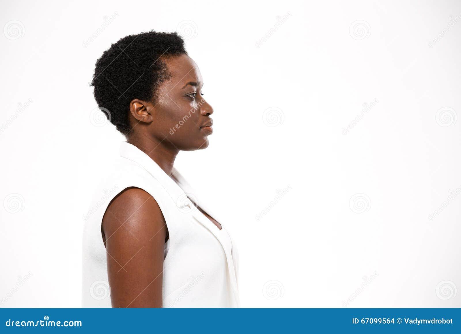 Profil De Belle Femme Serieuse D Afro Americain Avec La Coupe De Cheveux Courte Photo Stock Image Du Avec Coupe 67099564