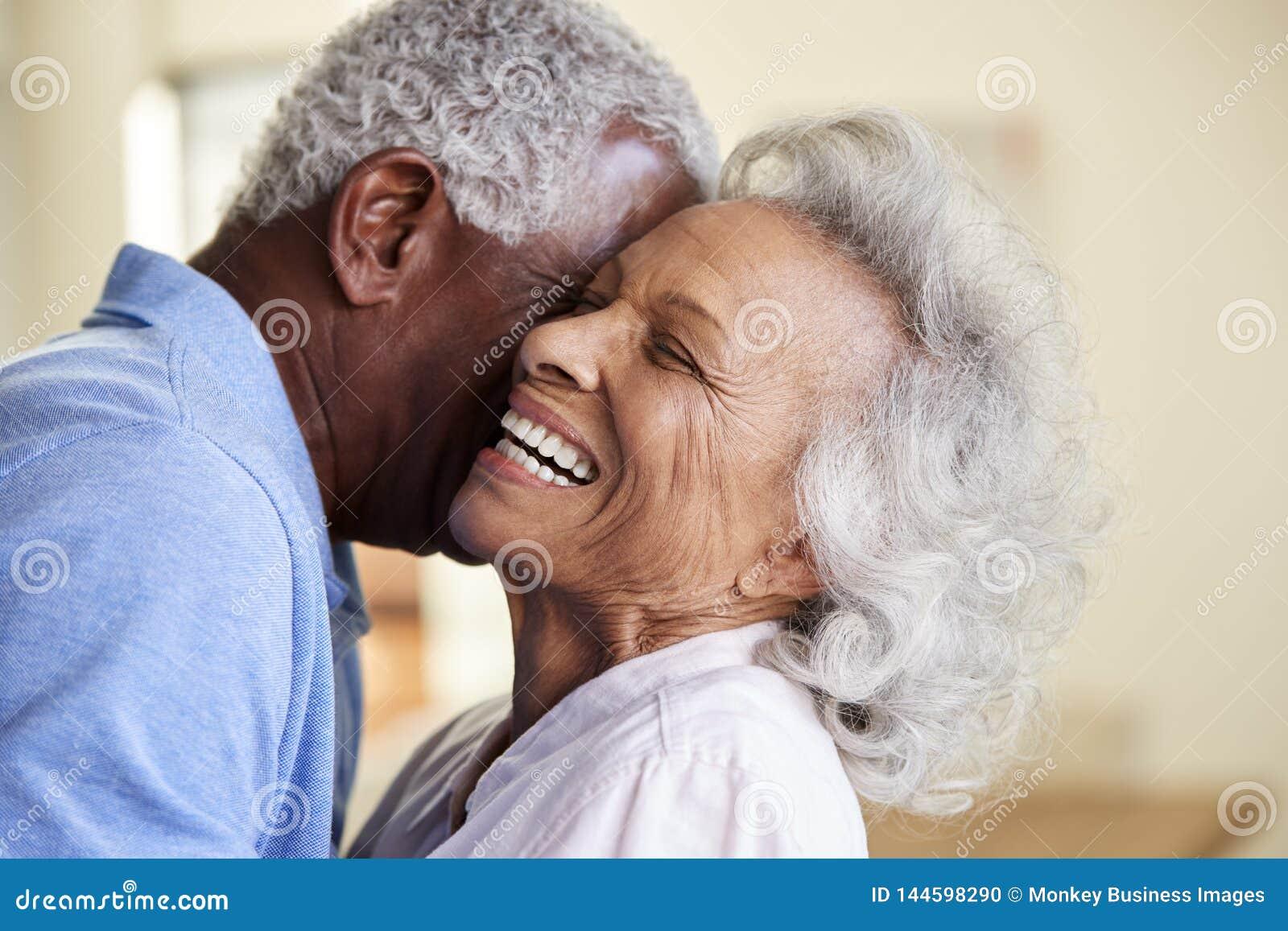 Most Secure Senior Online Dating Service In Denver