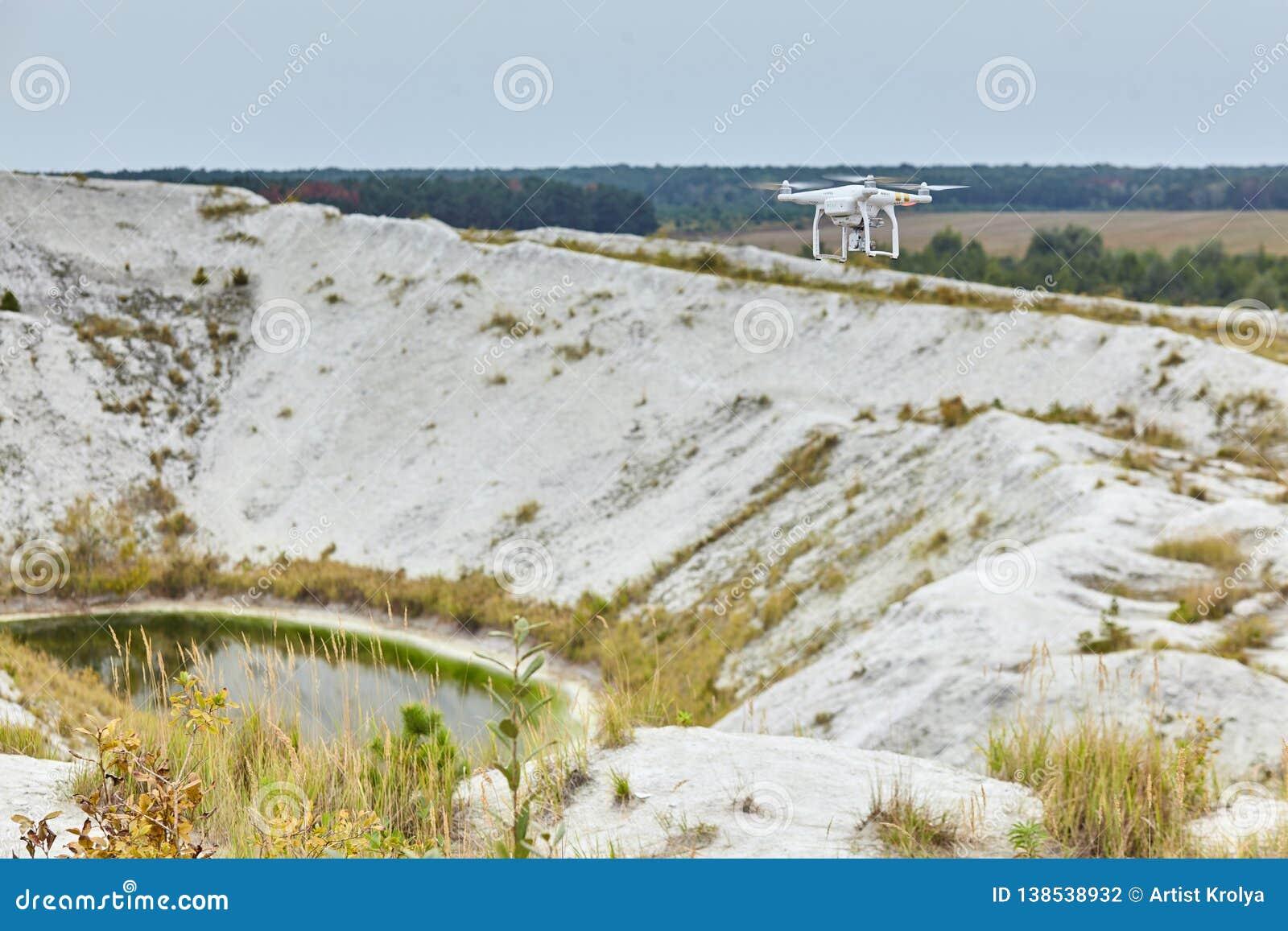 Profissional fantasma do quadrocopter do zangão PRO