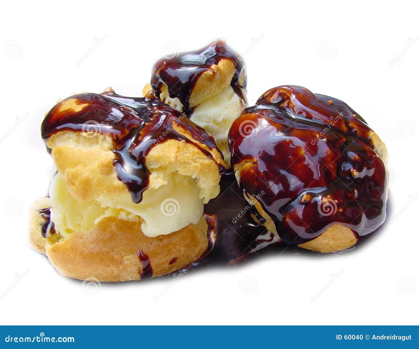 Download Profiterol photo stock. Image du vanille, sirop, crème, chocolat - 60040