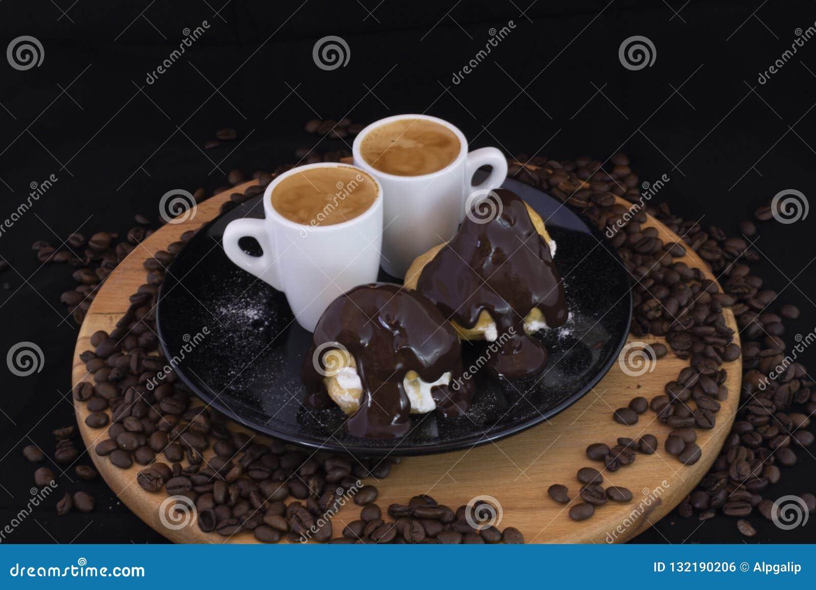 Profiterols e café
