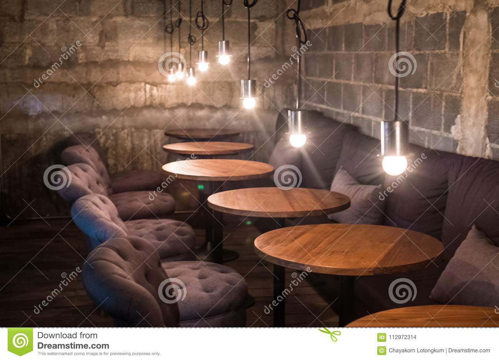 Progettazione classica d annata del caffè del caffè con luce