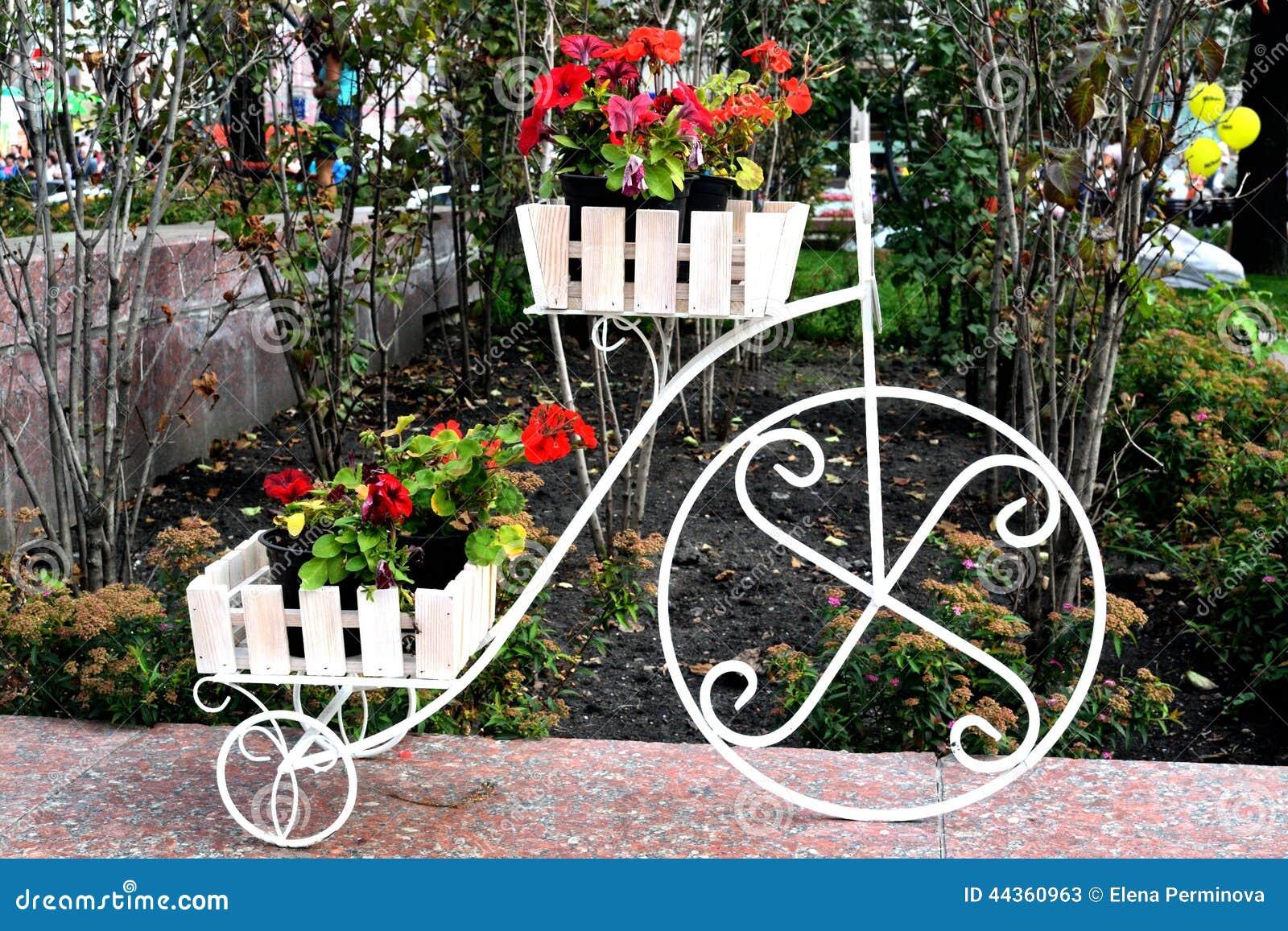Progettazione floreale delle vie della città