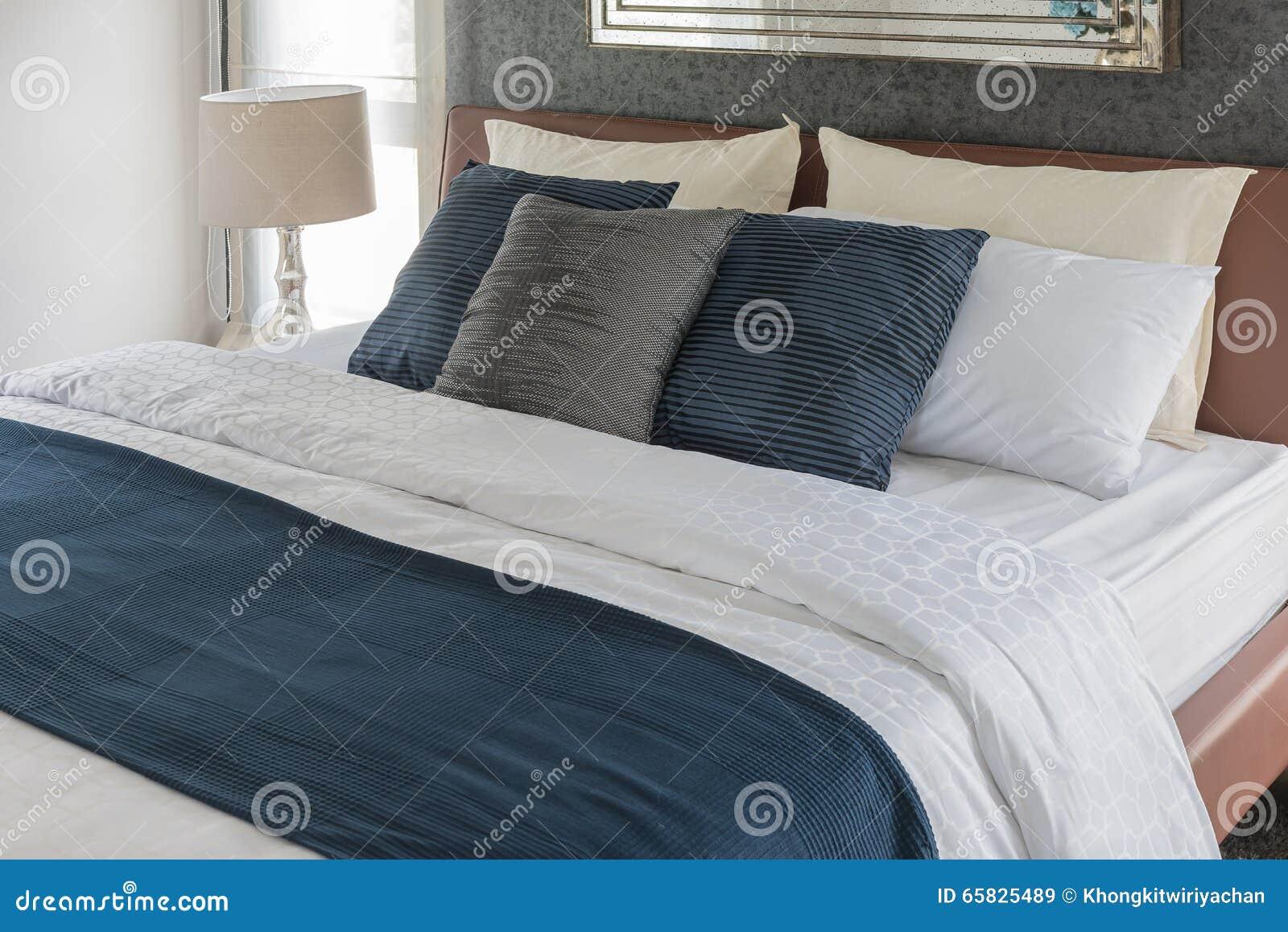 Camere da letto colore blu : camera da letto di colore blu. camera ...