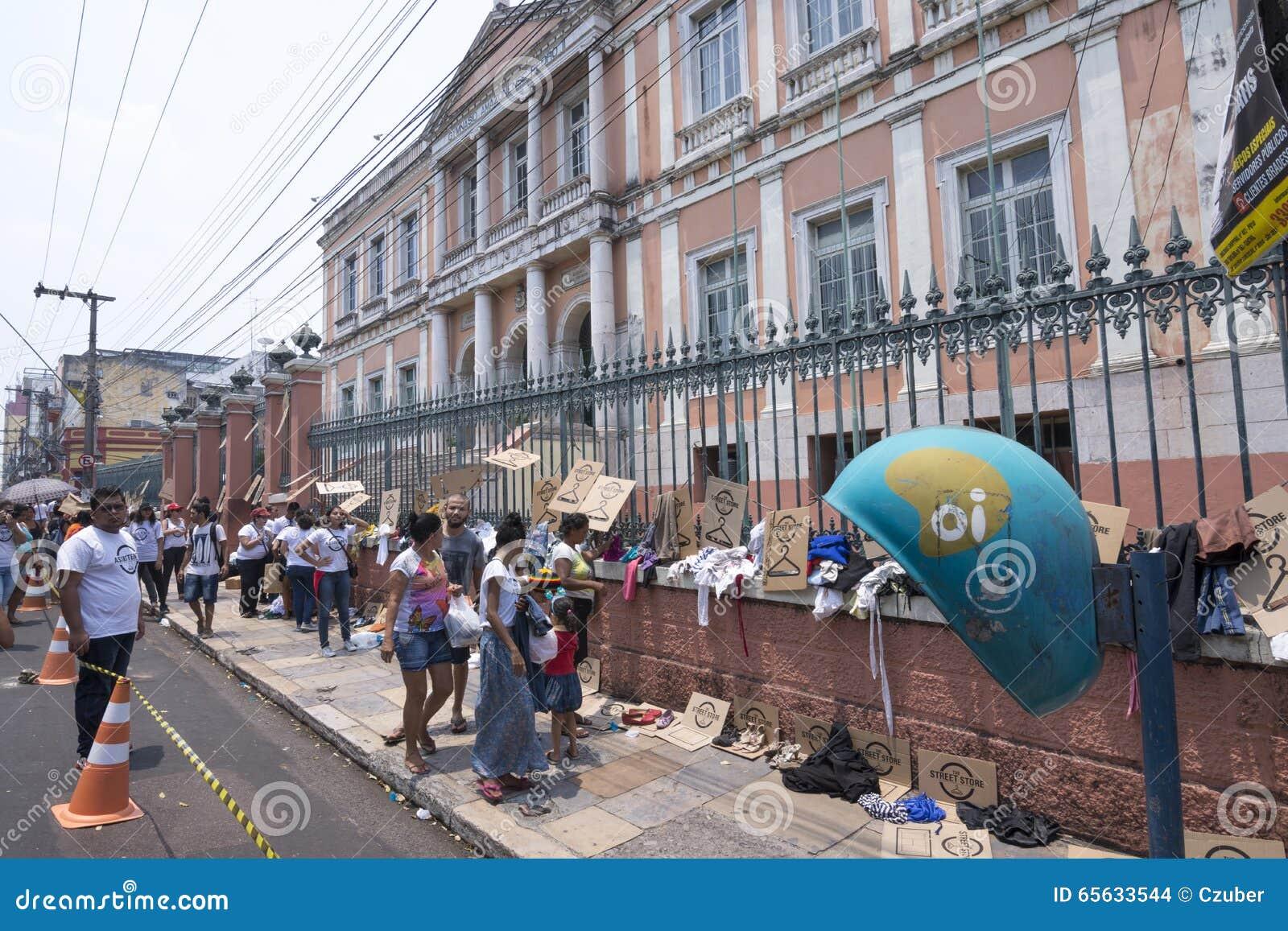 Programme sans abri de magasin de rue à Manaus, Brésil