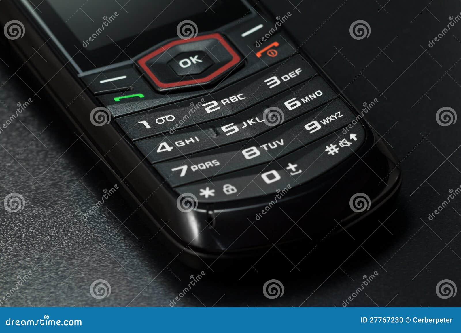 Projectile de plan rapproché de téléphone portable