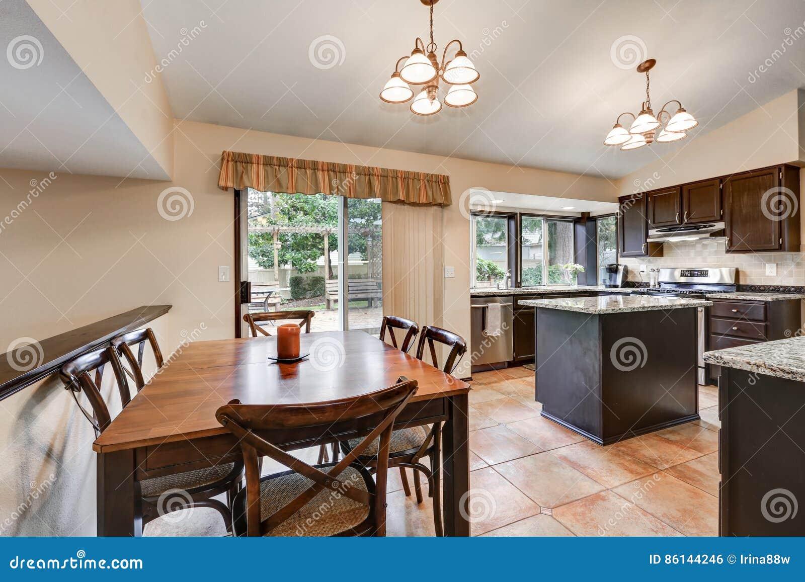 Projeto Cl Ssico Da Sala Da Cozinha Com Ilha De Cozinha Foto De