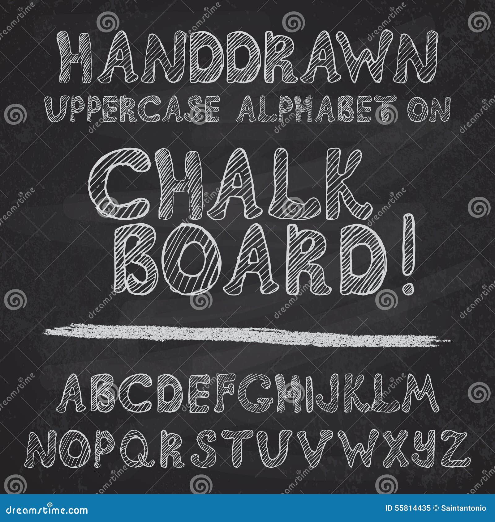 Projeto tirado mão do alfabeto na placa de giz, leters ásperos do uppercase da fonte de vetor