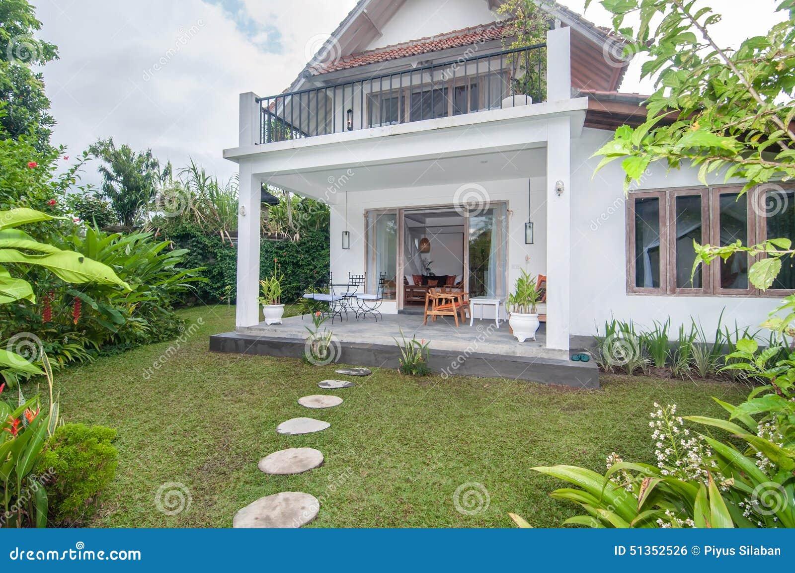 Projeto tradicional e antigo da casa de campo com jardim for Jardin villa bonita culiacan