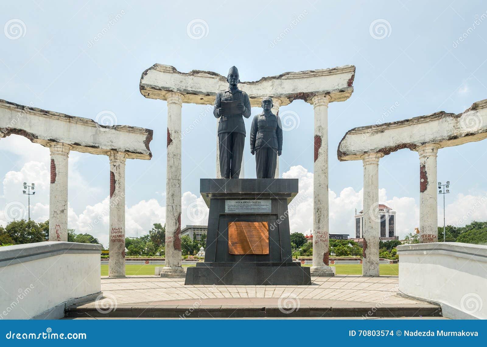 Proklamationsstatue in den Ruinen, Museum Tugu Pahlawan in Surabaya, Osttimor, Indonesien
