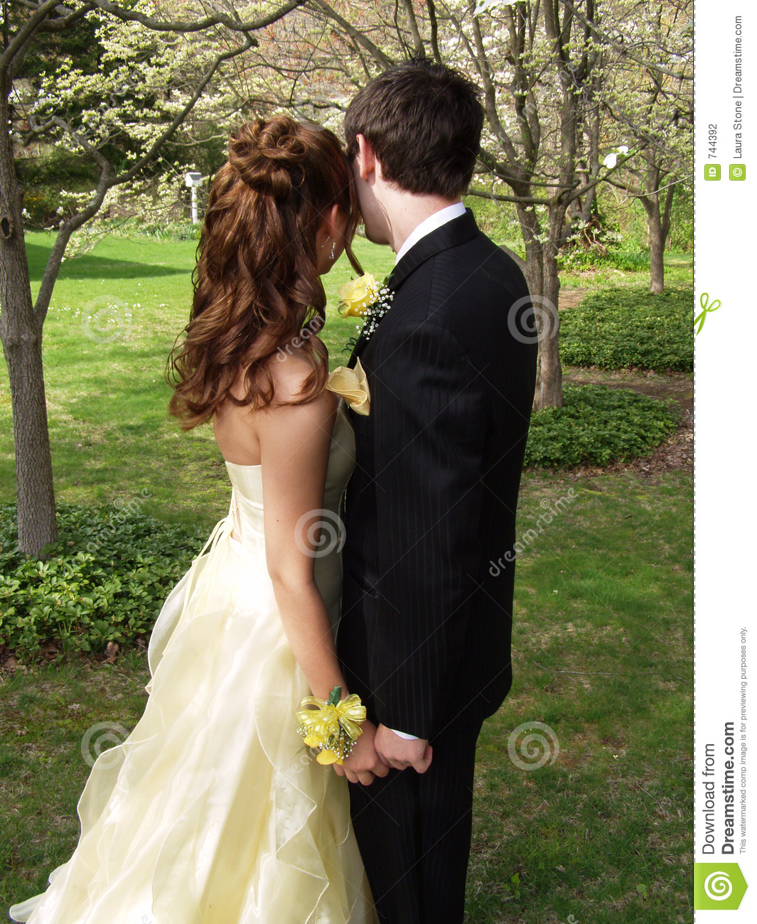 how to find a prom date outside of school