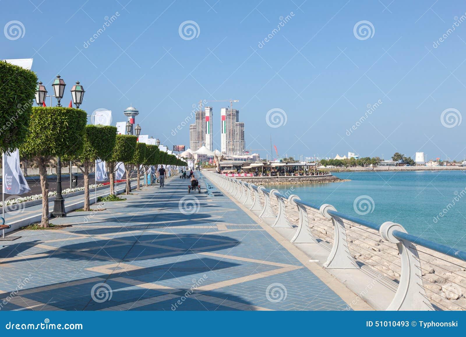 Promenade de bord de mer en abu dhabi photo stock ditorial image du jour stationnement 51010493 - Abu dhabi luoghi di interesse ...