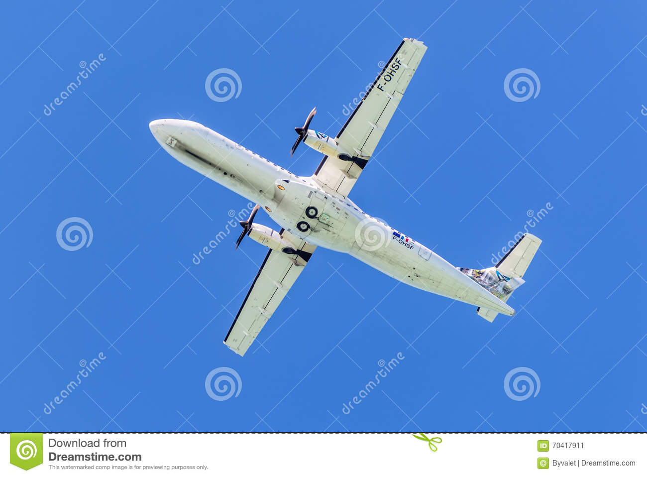 Propeller driven airplane for regional service - ATR 72-500