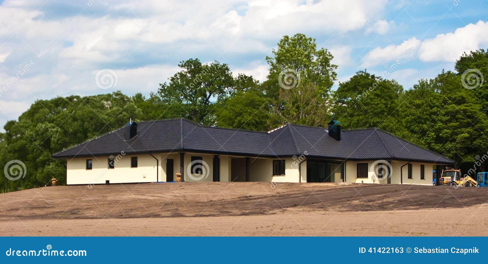Propiedades inmobiliarias de la casa privada grande bajo for Inmobiliaria la casa