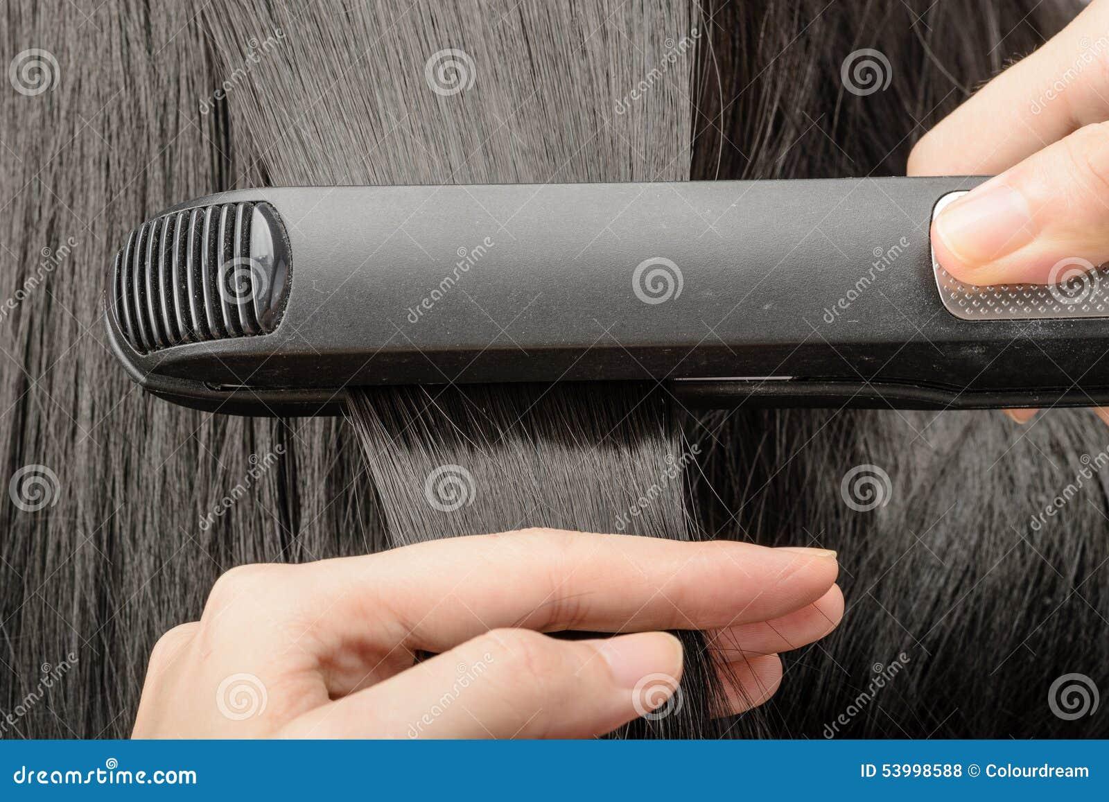 Prostuje włosy
