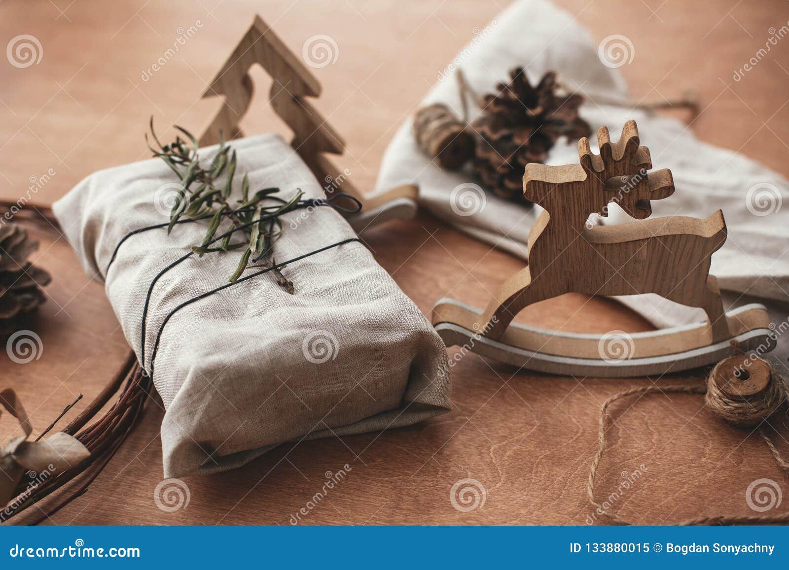 Prosty eco przedstawia klingeryt swobodnie Elegancki boże narodzenie wieśniaka prezent
