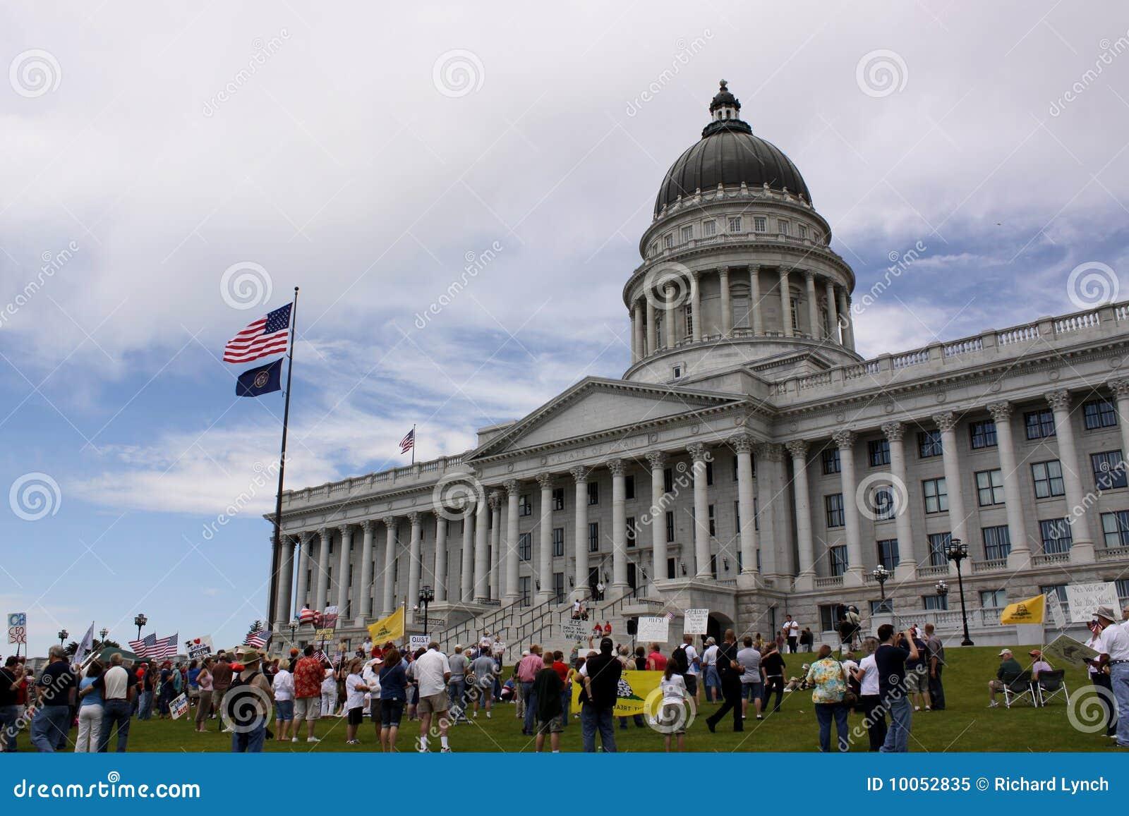 Protesto do partido de chá no Capitólio do estado