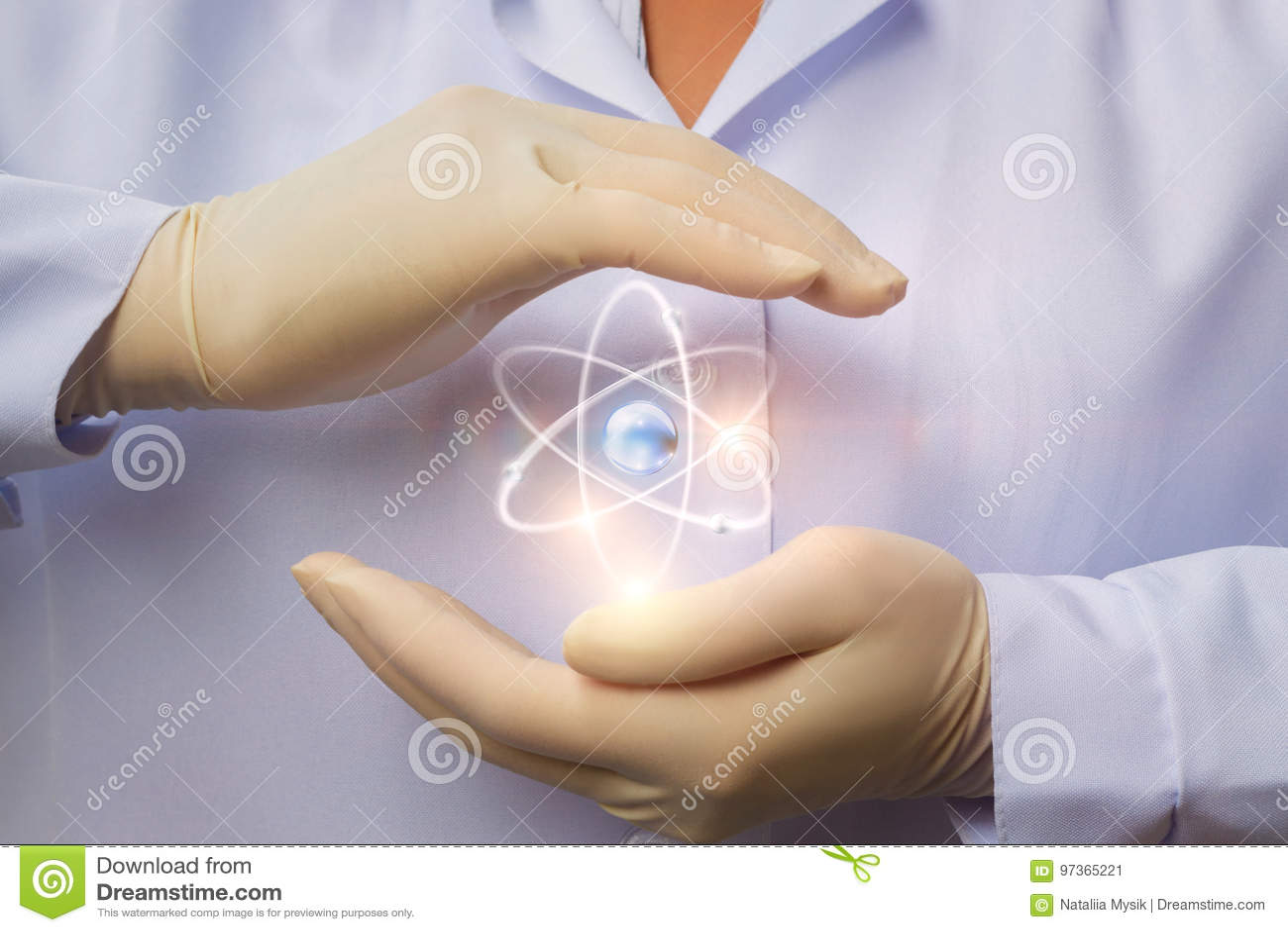 Protezione di energia nucleare pacifica nelle mani