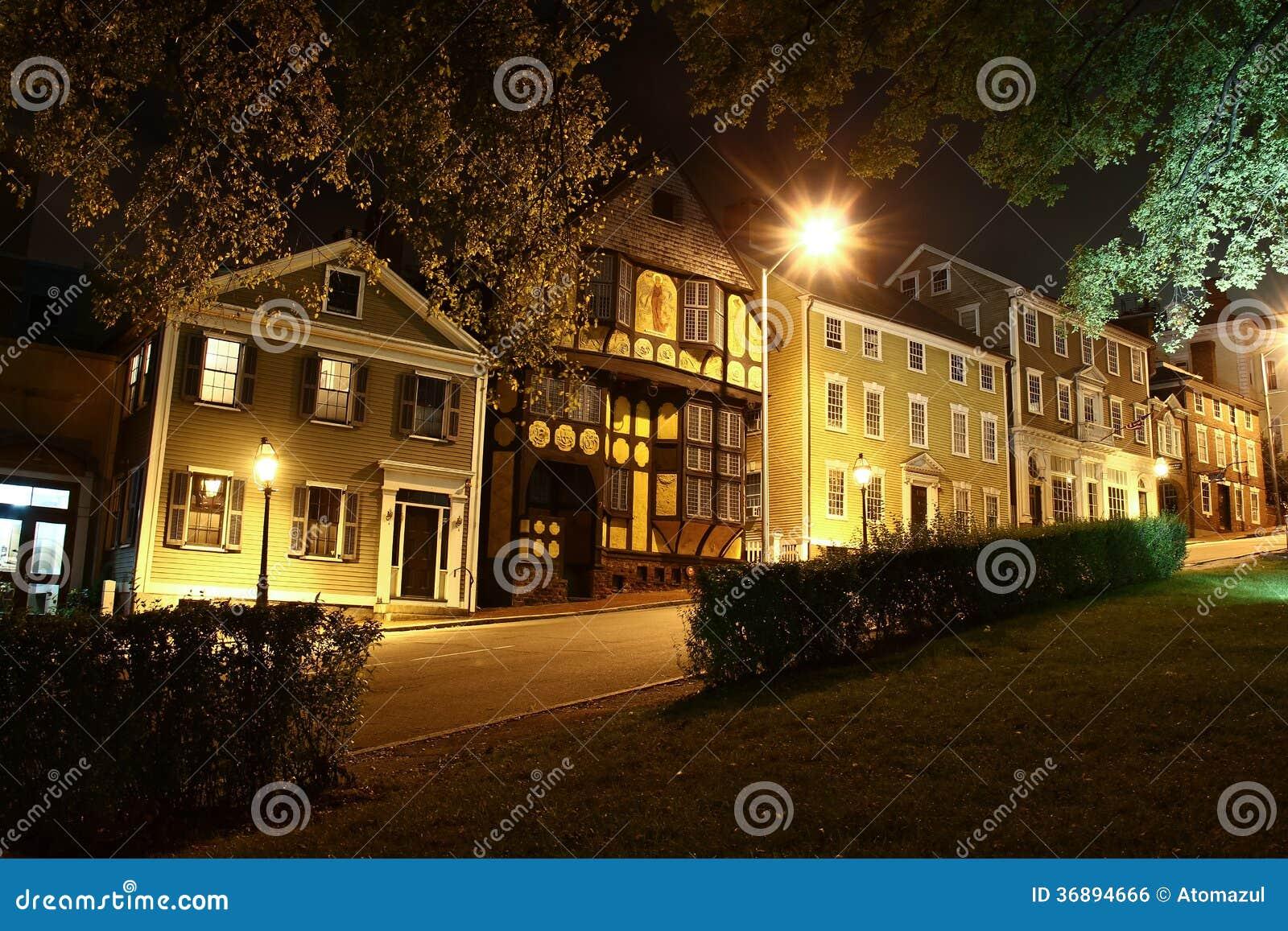 Download Provvidenza Rhode Island Street Alla Notte Fotografia Stock - Immagine di storico, case: 36894666