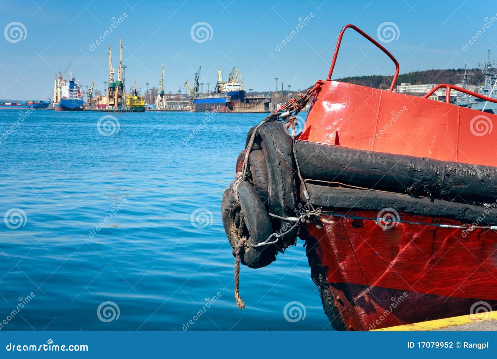 Prow der alten Versuchslieferung im Hafen