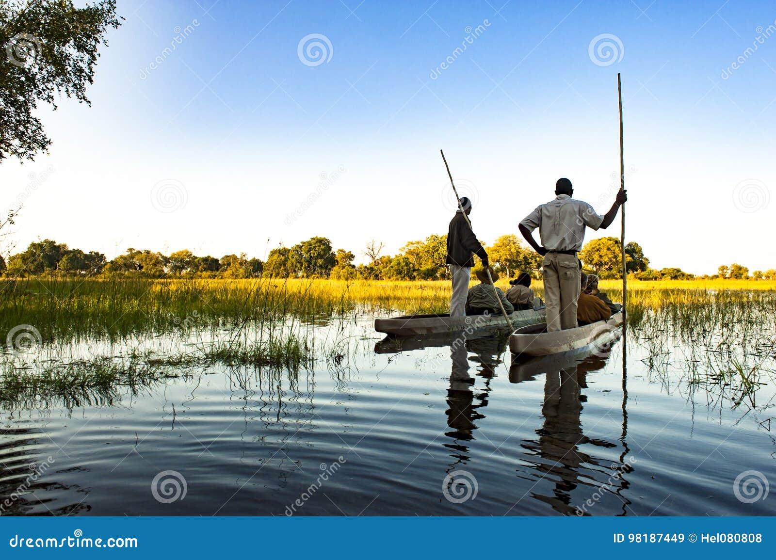 Prowadząca Okavango wycieczka, schronu czółno, Botswana