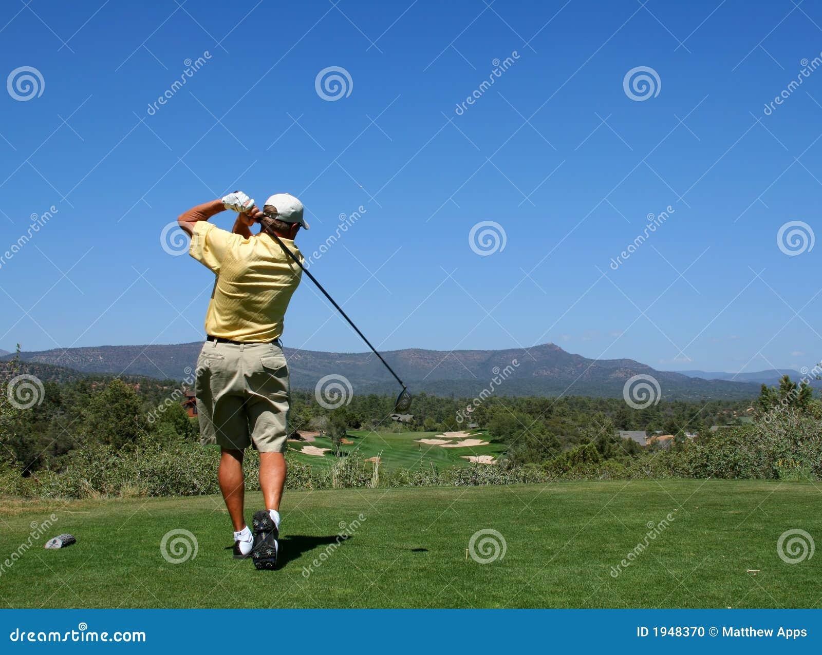 Prowadzenie kulowego golfa prawdziwy golfiarz
