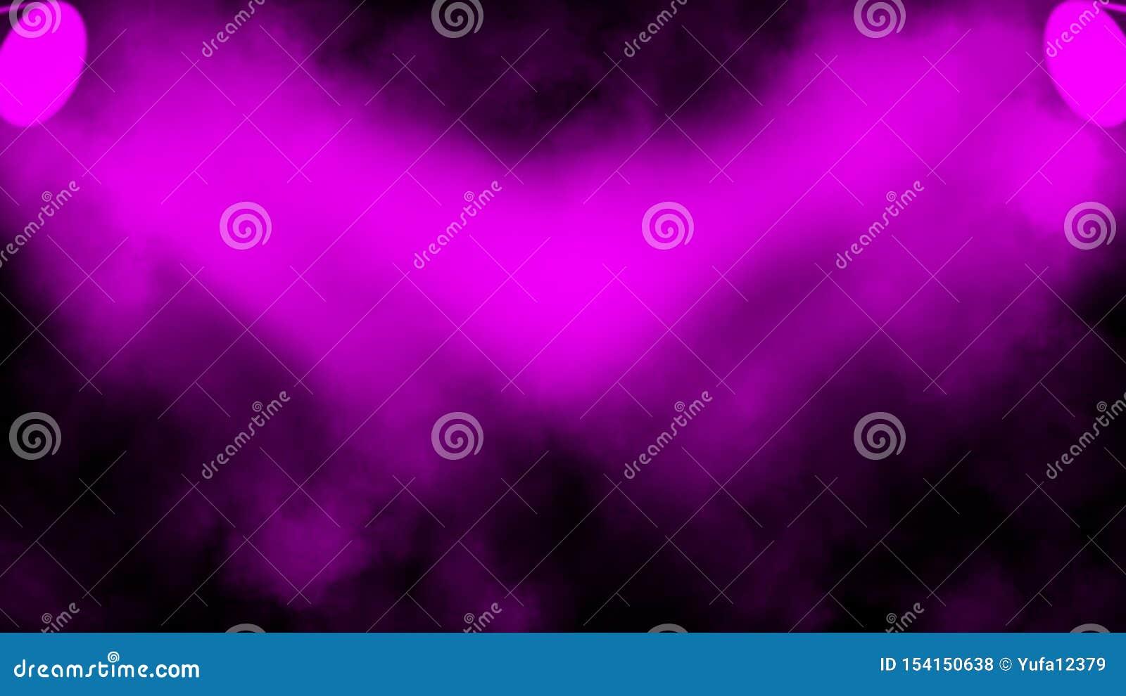 Proyector púrpura Etapa del proyector con humo en fondo negro Elemento del dise?o