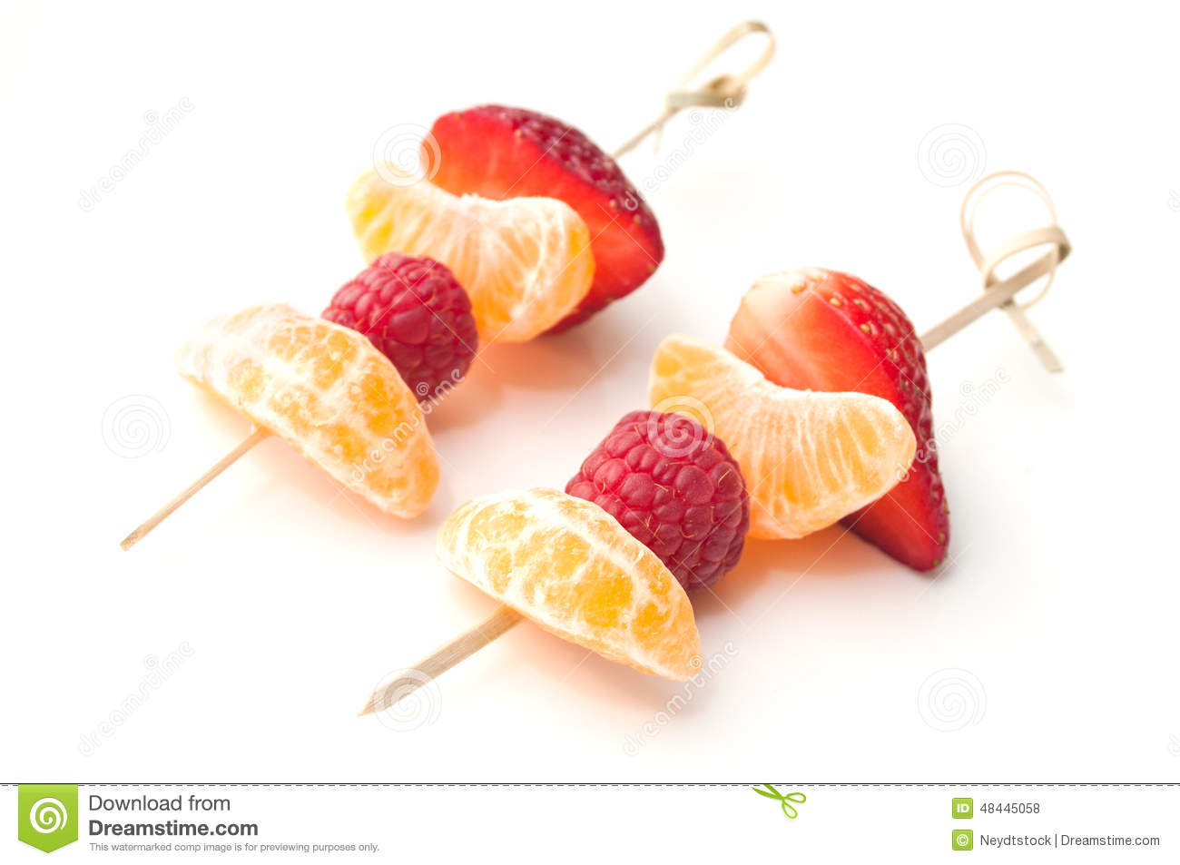 Pr sentation de brochette de fruits photo stock image 48445058 - Presentation de brochette de fruits ...