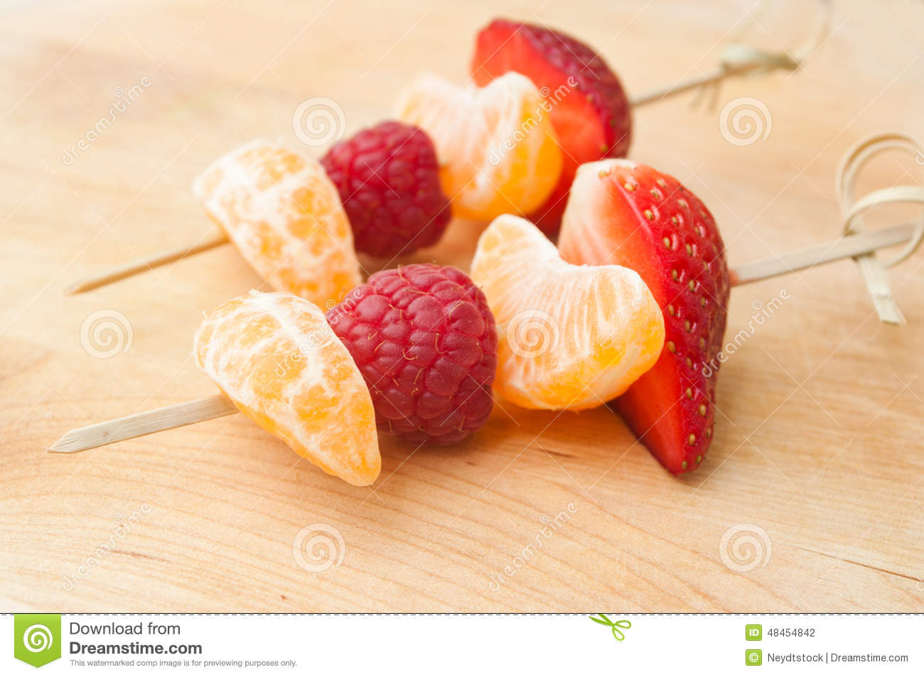 Pr sentation de brochette de fruits photo stock image 48454842 - Presentation de brochette de fruits ...