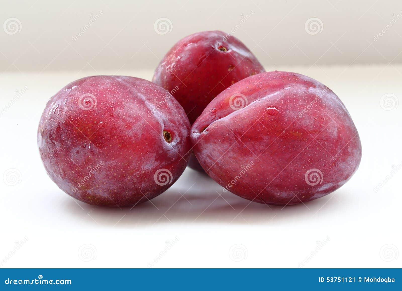 prune rouge image stock image du fruit doux sain comestible 53751121. Black Bedroom Furniture Sets. Home Design Ideas