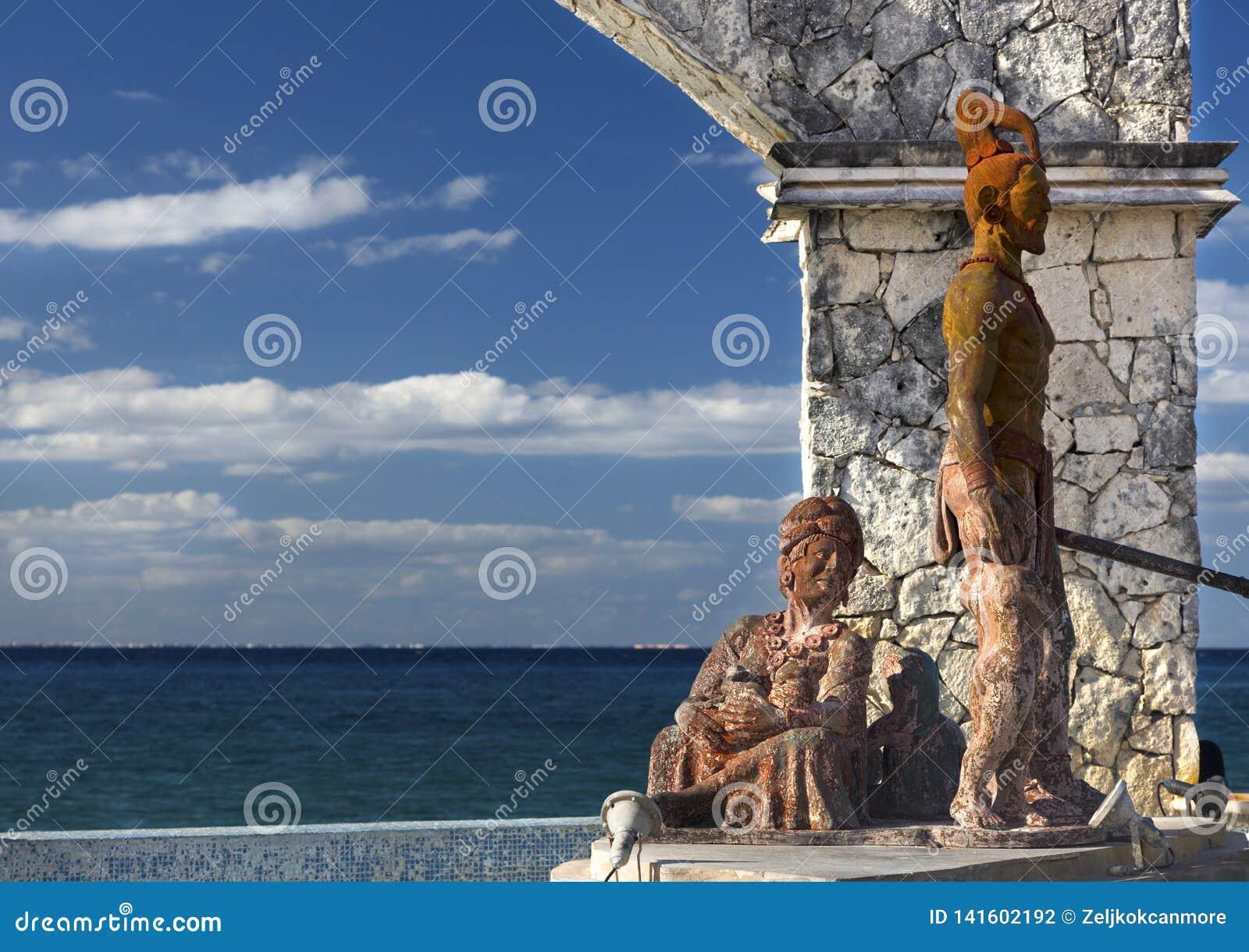 Przecinającego Lęgowego Pomnikowego azteka wojownika kobiety Cozumel Meksyk Majski nabrzeże