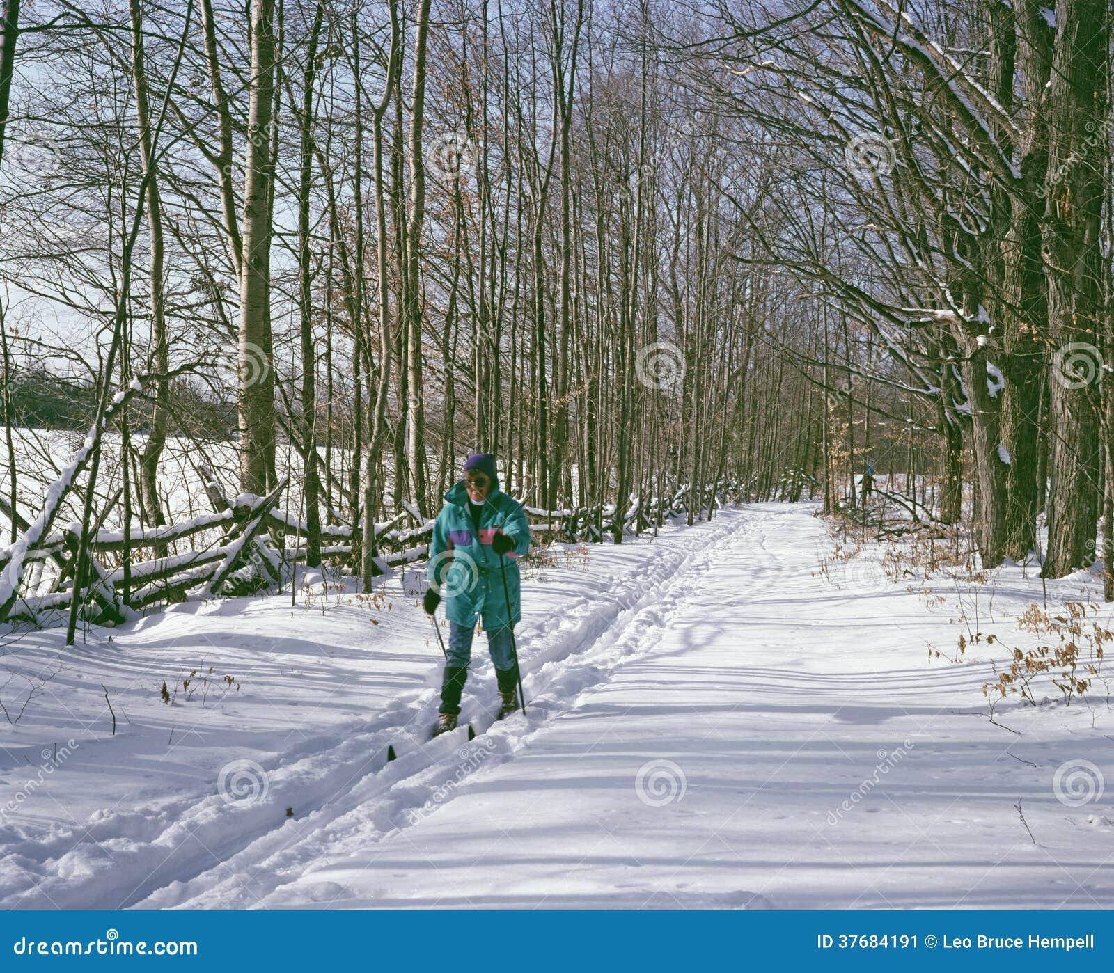 Przecinającego kraju narciarstwo Ontario Kanada