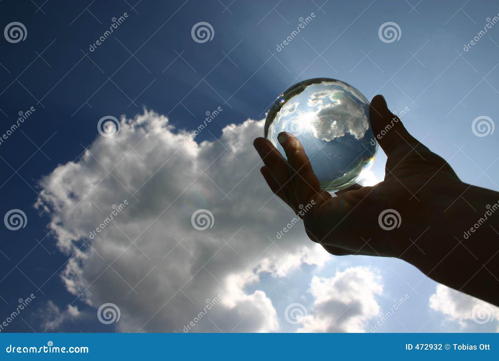 Przeciwko piłkę glas niebo