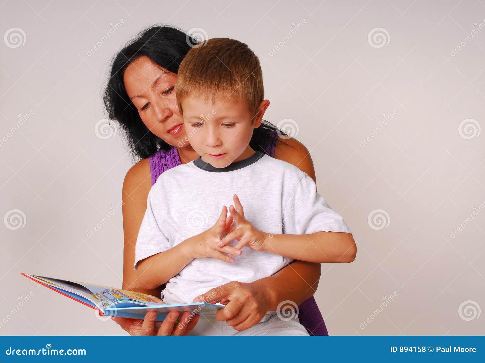 Przeczytaj sześciu synów mamo