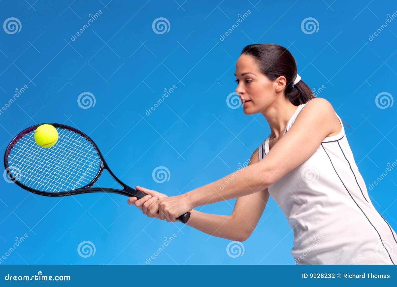 Przedramię bawić się strzału tenisa kobiety