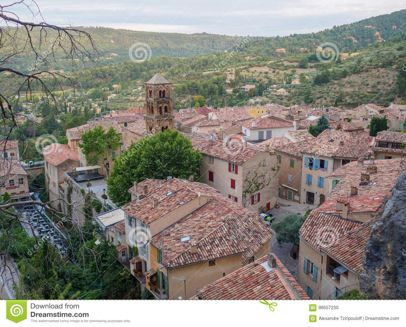 Przegląd Moustiers-Sainte-Marie, Francja