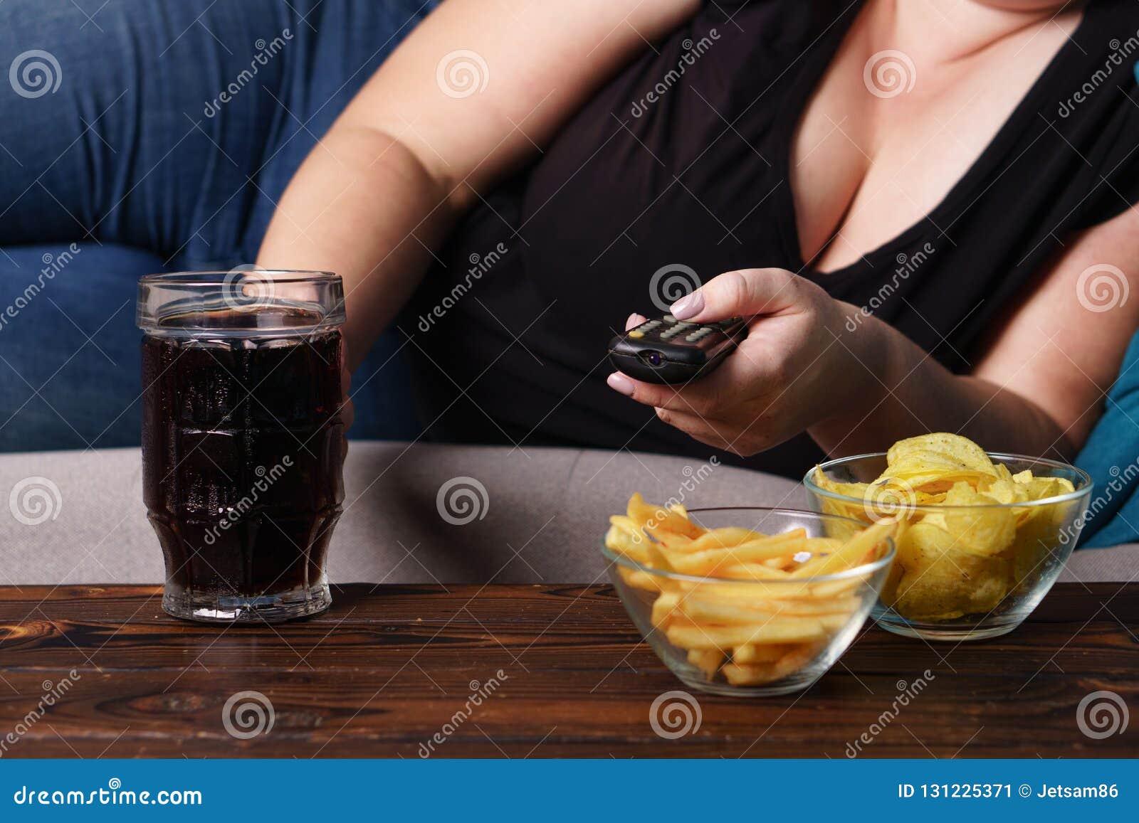 Przejadający się, sedentarny styl życia, alkoholu nałóg