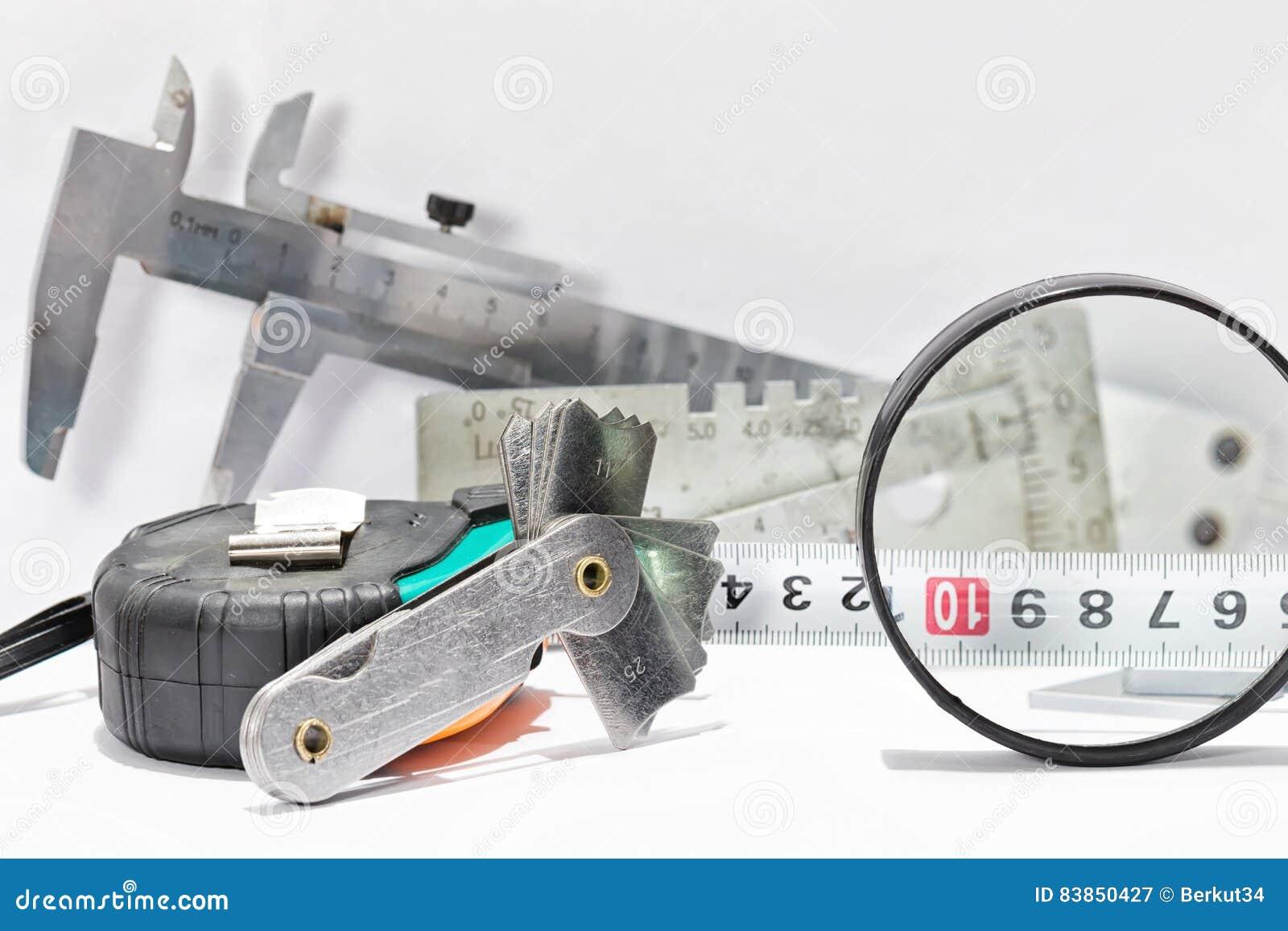 Przemiana od stali nierdzewnej i narzędzi dla projekta i measuri